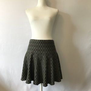 Candie's Large Circle Skirt Black Gray Chevron